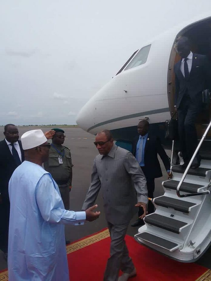 Alpha Conde avion President Guinéen, et IBK President malien