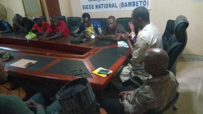 Siège de NFD à Bambeto avec les jeunes de l'axe