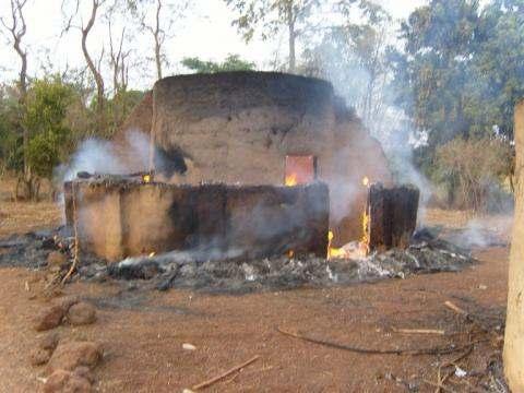 Cases incendiée à kouroussa Komana