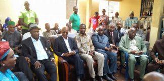 Cellou Dalein et une délégation de l'ufdg chez Mouctar Diallo NFD suite au décès de son Père