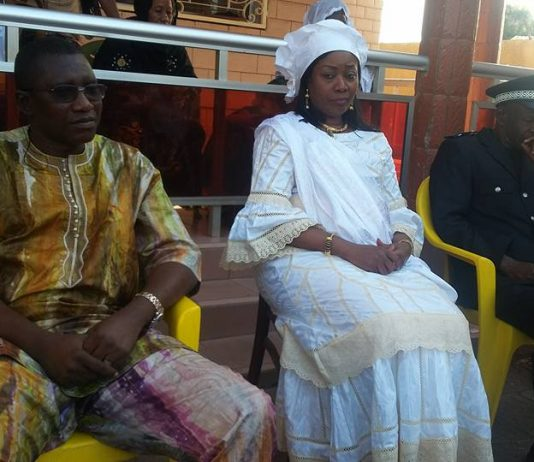 Taliby Dabo et la première dame Hadja Djené Kaba Condé à kankan