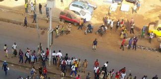 Des élèves manifestent en Guinée