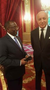 Sidya Touré et Laurent Fabius Élysée