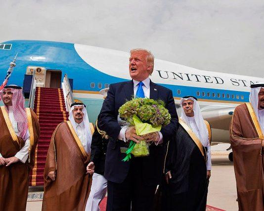 donald-trump-ete-accueilli-roi arabie saoudite