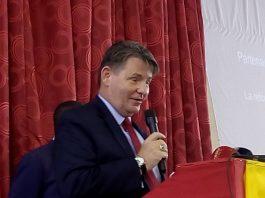 Ambassadeur des États Unis en Guinée De passage à Labé l'ambassadeur des États Unis Denis Hatkins