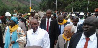 Alpha Conde inaugure le pont de KAAKA à Coyah avec l'ambassadeur du Japon
