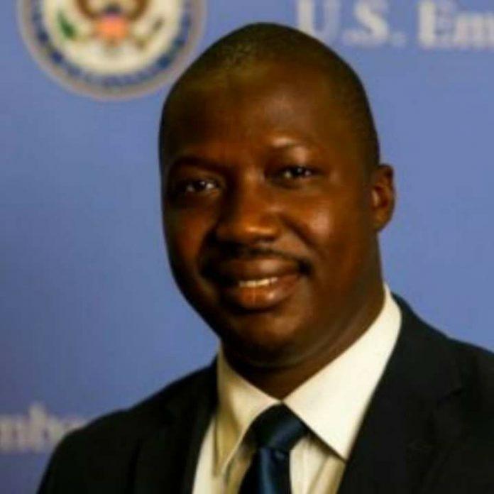 Barry Mamoudou Nagnalen, analyste économique et financier