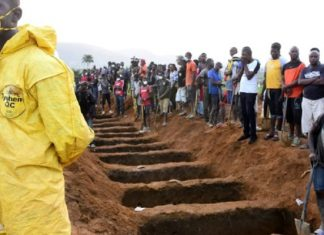 inondations en Sierra Leone Freetown, enterrement des victimes