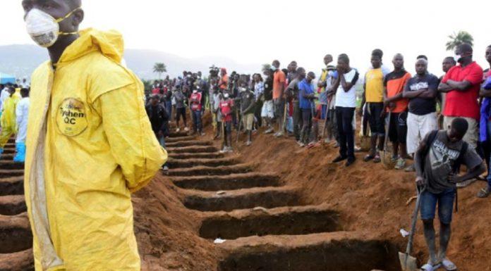 inondations en Sierra Leone Freetown, enterrement des victimes