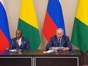 Alpha Conde et Vladimir Poutine à Moscou