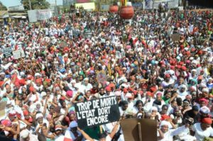 Des centaines des femmes manifestent contre le régime d'Alpha Conde