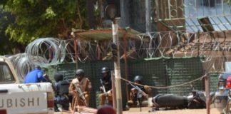 Attentat au Burkina : ce que l'on sait des attaques sur l'état-major...