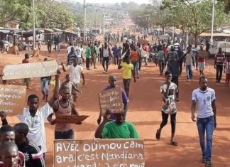 Grande manifestation à Mandiana contre le régime d'Alpha Conde