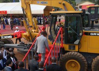 Alpha Condé à Coyah lors du lancement des travaux de la reconstruction de la route Coyah Kindia-Mamou-Dabola