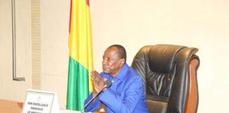 Alpha Condé en conseil de ministre