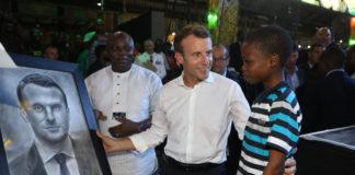 Nigeria : Emmanuel Macron ému par son portrait dessiné par un enfant de 11 ans