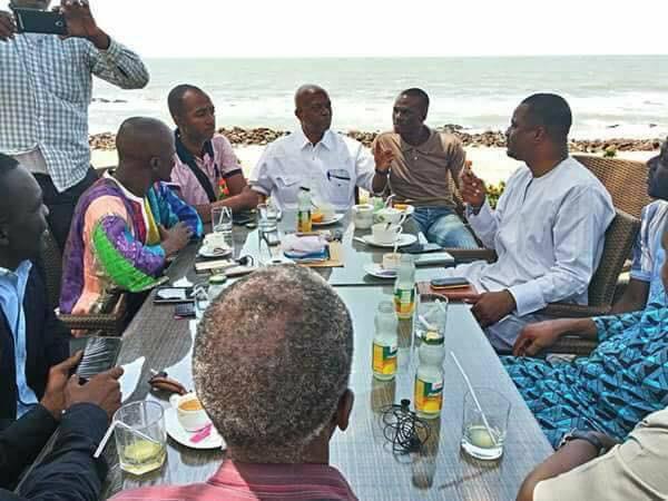 Aboubacar Soumah du SLECG et les membres du gouvernement en négociation avec Tibou Kamara, Said Fofana et Taliby