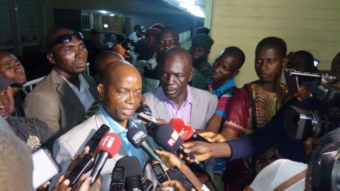 Le syndicaliste Aboubacar Soumah du SLECG face à la presse