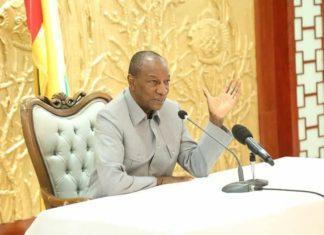 Alpha Conde avec la société civile au palais Sékhoutouréya
