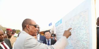 Alpha Conde à Coyah lors du lancement des travaux de la route Coyah Kindia-Mamou-Dabola