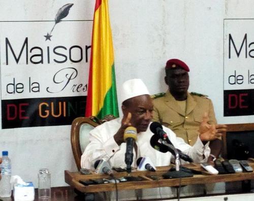alpha condé à la maison de la presse de Conakry