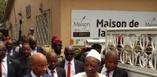Alpha Condé et Cellou Dalein Diallo à la maison de la presse à Conakry