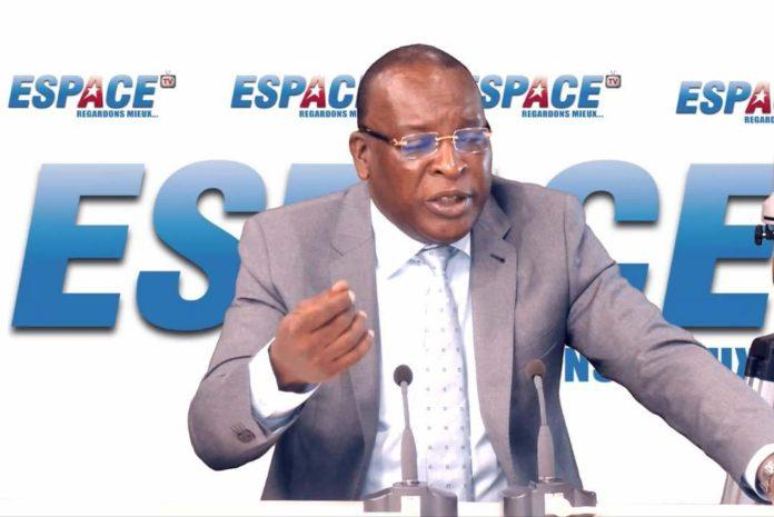 Le général sékouba konaté ancien président de la transition sur espace fm