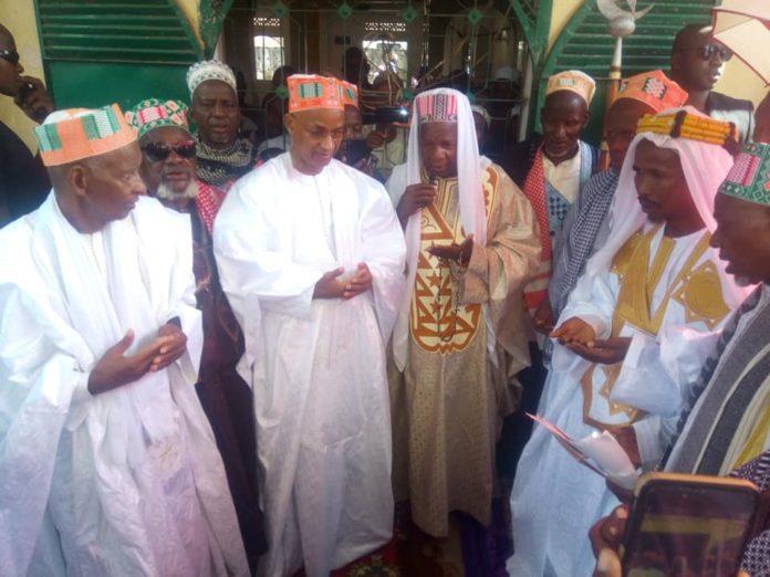 Cellou Dalein Diallo avec les imams l'Aid