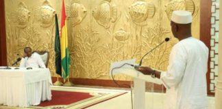 Aboubacar Soumah slecg et Alpha Condé au Palais Sékoutoureya
