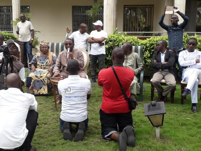 Sidya Touré de l'UFR à son domicile