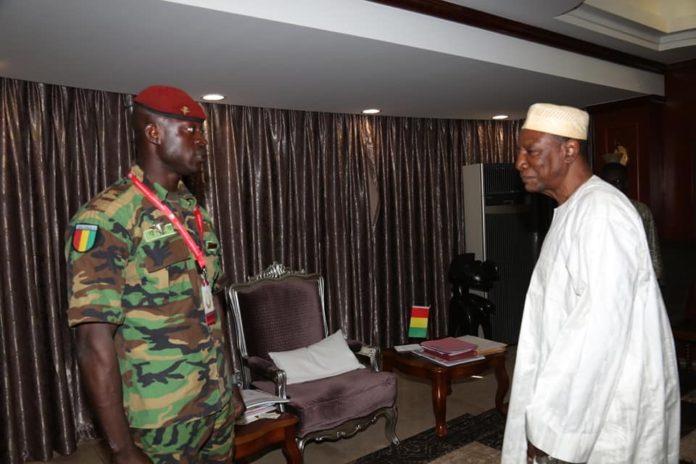 Acte de bravoure : Le président Alpha Condé a reçu le caporal Moussa Soumah au palais Sékhoutouréya !