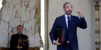Le Premier ministre Edouard Philippe, et ministre de l'Intérieur par intérim, quitte l'Elysée après le conseil des ministres, à Paris le 10 octobre 2018.