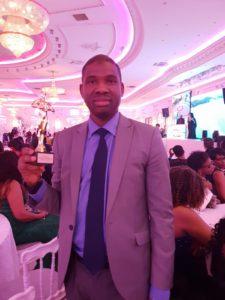 Macka Balde a reçu le trophée du meilleur site d'information avec talents de Guinée