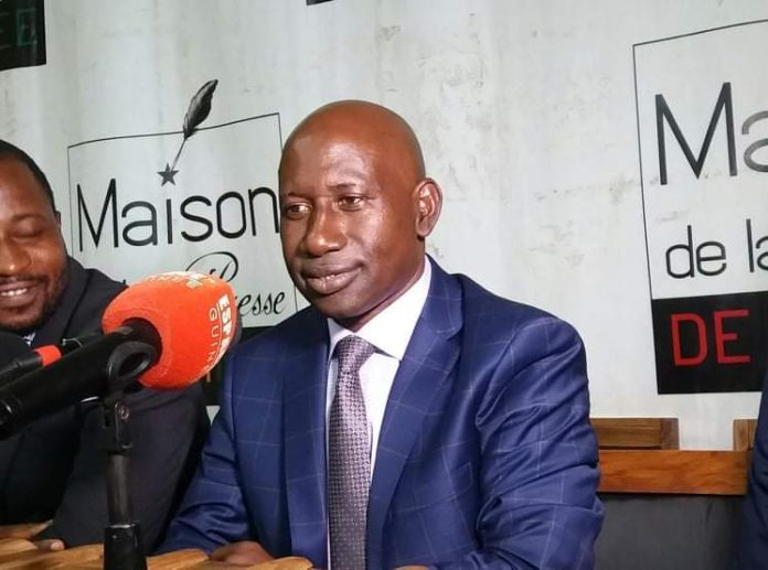 Alhousaini Makanera Kaké en conférence de presse