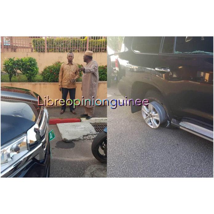 La voiture de l'ancien premier ministre Mamady Youla attaqué à Bambeto