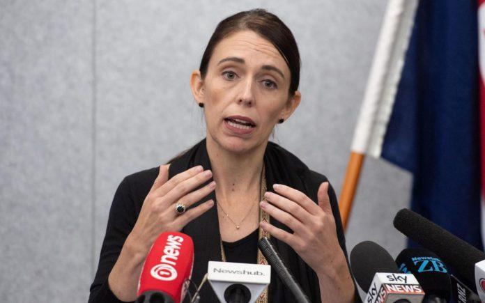 La Première ministre néo-zélandaise Jacinda Ardern a promis que les « lois sur les armes vont changer » au lendemain de l'attaque de deux mosquées. AFP/Marty MELVILLE
