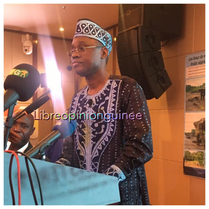 Le ministre Sanoussy Bantama Sow en conférence de presse