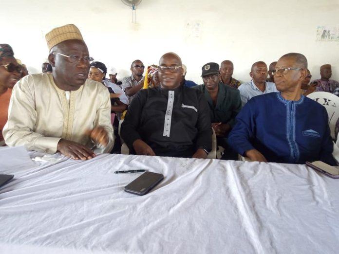 Kalemodou Yansane, Fodé Oussou et Aliou Conde au siège de l'UFDG