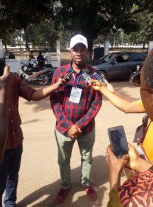Macka Balde directeur général adjoint de l'agence nationale de volontariat jeunesse lors de la caravane nationale citoyenne de la jeunesse